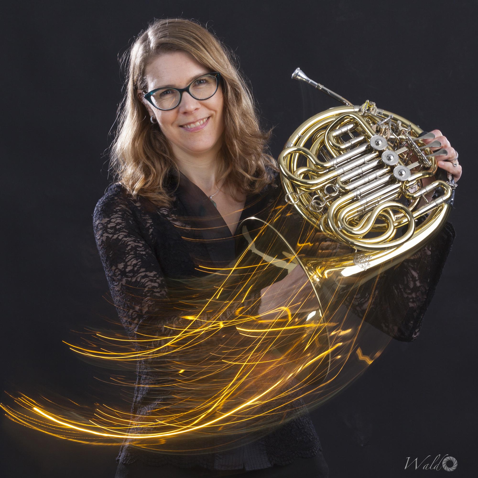 Corina Liefers, Horn