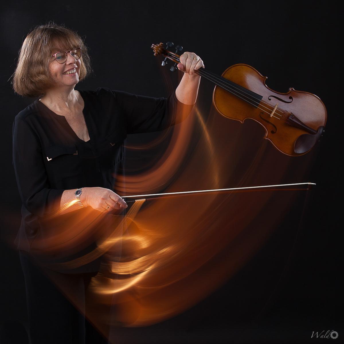 Margaret Cruickshank, Viola