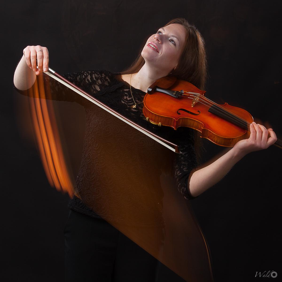Eva Suslikova, Viola